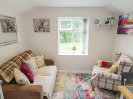 Baillie Close Cottage - Whitby & North Yorkshire - 1014417 - thumbnail photo 3