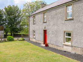Shaws Hill Farmhouse - Antrim - 1014752 - thumbnail photo 2