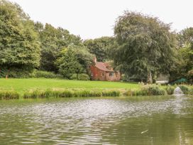 East Bank Cottage - Lincolnshire - 1014788 - thumbnail photo 22