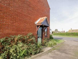 2 Waxham Court - Norfolk - 1014810 - thumbnail photo 2