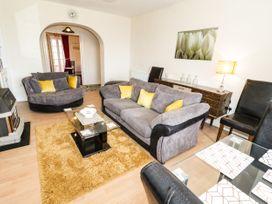 Llys Madoc, Basement Apartment - North Wales - 1014915 - thumbnail photo 4