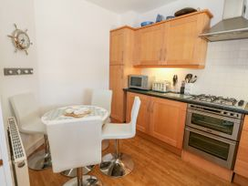 Apartment 14 - North Wales - 1015002 - thumbnail photo 8