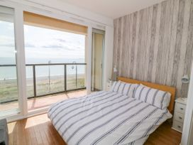 Apartment 14 - North Wales - 1015002 - thumbnail photo 13