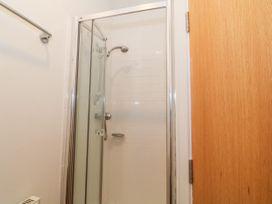 Apartment 14 - North Wales - 1015002 - thumbnail photo 15