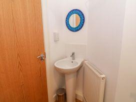 Apartment 14 - North Wales - 1015002 - thumbnail photo 21