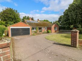 3 bedroom Cottage for rent in Deal