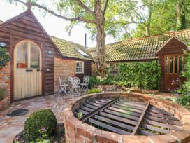 2 bedroom Cottage for rent in Buckland