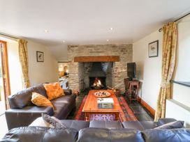 Great Bradley Cottage - Somerset & Wiltshire - 1015398 - thumbnail photo 2