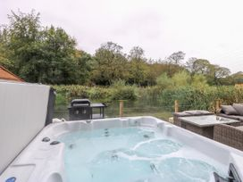 14 Waterside Lodges - Yorkshire Dales - 1015527 - thumbnail photo 21