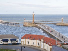 Beachfront - Whitby & North Yorkshire - 1015683 - thumbnail photo 17