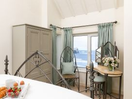 The Beach House, Sandsend - Whitby & North Yorkshire - 1015694 - thumbnail photo 16