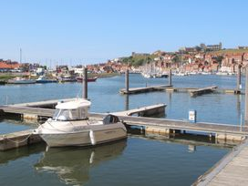 March Apartment - Whitby & North Yorkshire - 1015752 - thumbnail photo 18