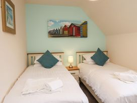 Sleeper Cottage - North Yorkshire (incl. Whitby) - 1015771 - thumbnail photo 9