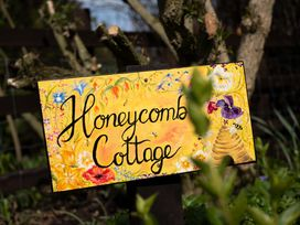 Honeycomb Cottage - North Yorkshire (incl. Whitby) - 1015788 - thumbnail photo 11