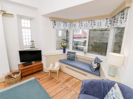 Beachside Cottage - North Yorkshire (incl. Whitby) - 1015789 - thumbnail photo 5