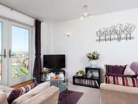 Abbey View Apartment - Whitby & North Yorkshire - 1015811 - thumbnail photo 5