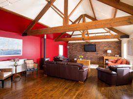 Cartwheels Cottage - Whitby & North Yorkshire - 1015850 - thumbnail photo 4