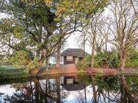 Thatched Pavilion - North Wales - 1015992 - thumbnail photo 27