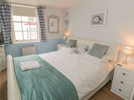 Safe Harbour Cottage - Whitby & North Yorkshire - 1016114 - thumbnail photo 6