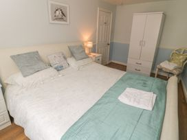 Safe Harbour Cottage - Whitby & North Yorkshire - 1016114 - thumbnail photo 7
