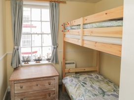 Safe Harbour Cottage - Whitby & North Yorkshire - 1016114 - thumbnail photo 9
