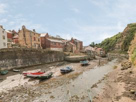 Safe Harbour Cottage - Whitby & North Yorkshire - 1016114 - thumbnail photo 14