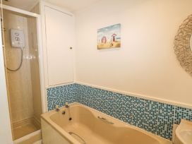 Safe Harbour Cottage - Whitby & North Yorkshire - 1016114 - thumbnail photo 11