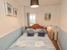 Safe Harbour Cottage - Whitby & North Yorkshire - 1016114 - thumbnail photo 10