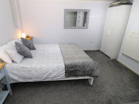 1 Rhandai Apartment - North Wales - 1016358 - thumbnail photo 10