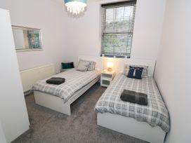 1 Rhandai Apartment - North Wales - 1016358 - thumbnail photo 13