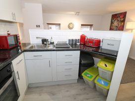 1 Rhandai Apartment - North Wales - 1016358 - thumbnail photo 8