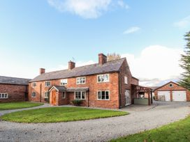 6 bedroom Cottage for rent in Chester