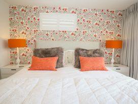 Shutts House Garden Apartment - Somerset & Wiltshire - 1016405 - thumbnail photo 12