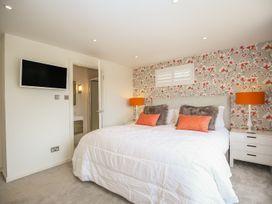 Shutts House Garden Apartment - Somerset & Wiltshire - 1016405 - thumbnail photo 13