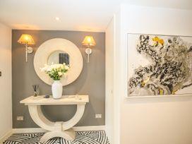 Shutts House Garden Apartment - Somerset & Wiltshire - 1016405 - thumbnail photo 2