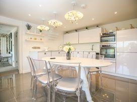Shutts House Garden Apartment - Somerset & Wiltshire - 1016405 - thumbnail photo 8