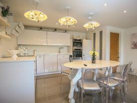 Shutts House Garden Apartment - Somerset & Wiltshire - 1016405 - thumbnail photo 9