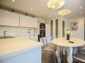 Shutts House Garden Apartment - Somerset & Wiltshire - 1016405 - thumbnail photo 10