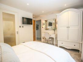 Shutts House Garden Apartment - Somerset & Wiltshire - 1016405 - thumbnail photo 21