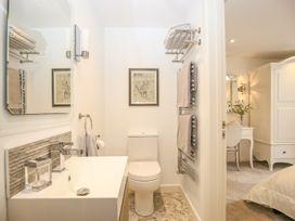 Shutts House Garden Apartment - Somerset & Wiltshire - 1016405 - thumbnail photo 26