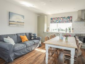 Southcott Apartment - Anglesey - 1016556 - thumbnail photo 8