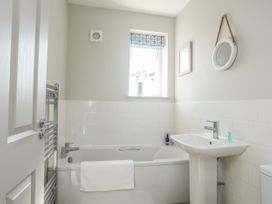 Southcott Apartment - Anglesey - 1016556 - thumbnail photo 13