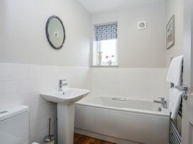 Burton Apartment - Anglesey - 1016558 - thumbnail photo 16
