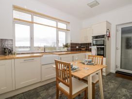 8 Mere View Avenue - Whitby & North Yorkshire - 1016901 - thumbnail photo 11