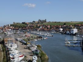 Stakesby House Apartment 3 - Whitby & North Yorkshire - 1017003 - thumbnail photo 17