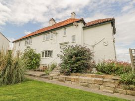 Stakesby House Apartment 3 - Whitby & North Yorkshire - 1017003 - thumbnail photo 15