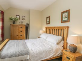 Stakesby House Apartment 3 - Whitby & North Yorkshire - 1017003 - thumbnail photo 9