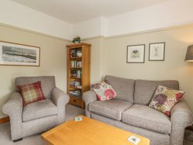Stakesby House Apartment 3 - Whitby & North Yorkshire - 1017003 - thumbnail photo 4