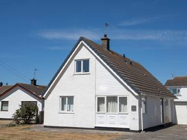 Crows Nest - Rhosneigr - Anglesey - 1017074 - thumbnail photo 8