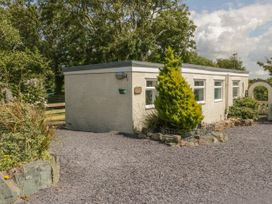 Cottage Bach - Anglesey - 1017359 - thumbnail photo 2